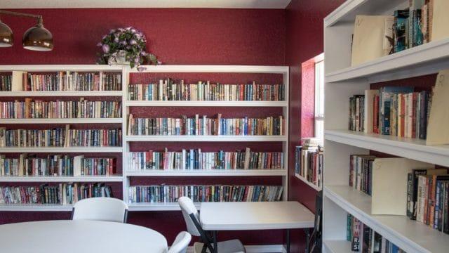 Paradise-Oaks-library