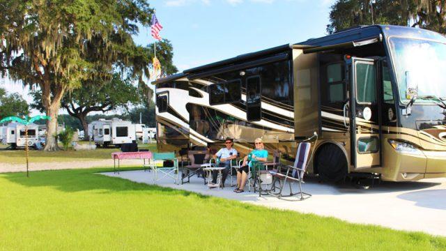 Paradise-RV-Resort-Campers