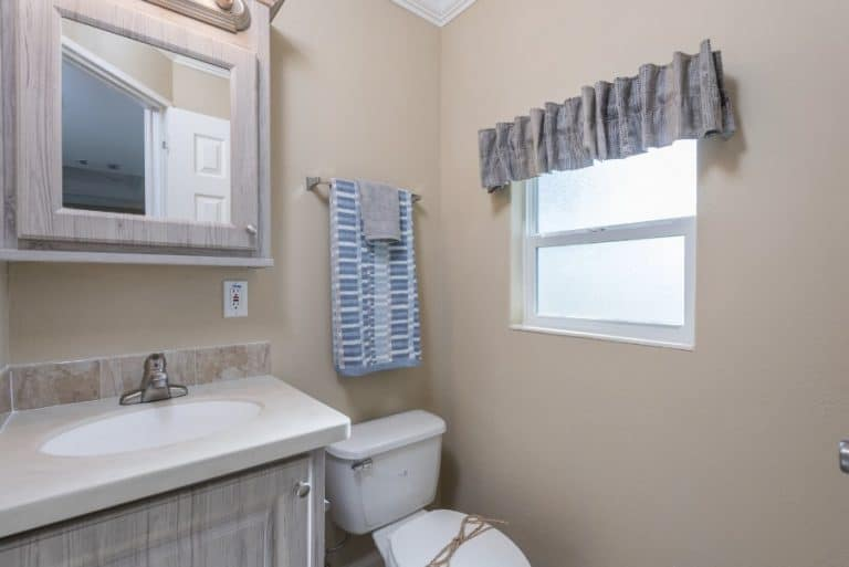 paradise-oaks-bathroom-3