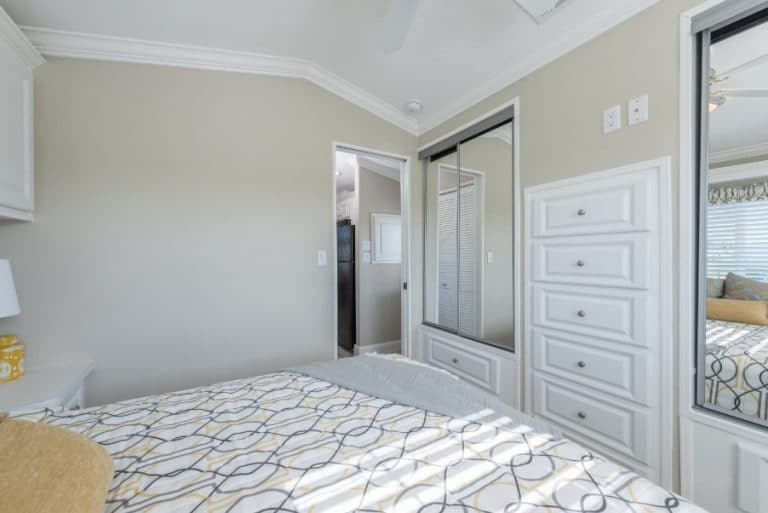 paradise-oaks-bedroom-3