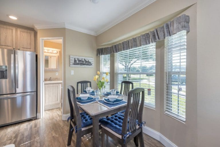 paradise-oaks-kitchen-dining