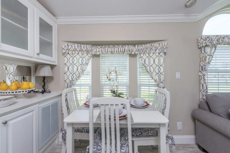 paradise-oaks-living-dining-kitchen