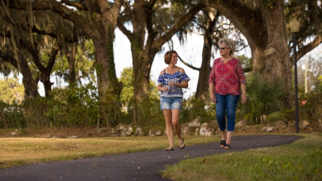 Paradise Oaks Amenities - walking path